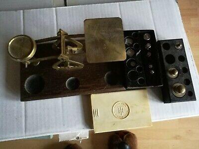 Alte Waage, mit zwei Gewichtboxen. Alt und sammelwert! Antiquität! 2