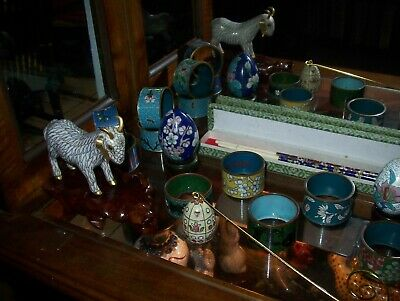 19 PIECES CLOISONNE COLLECTION, 2 animals, 13 napkin rings, 2 eggs, chopsticks 3