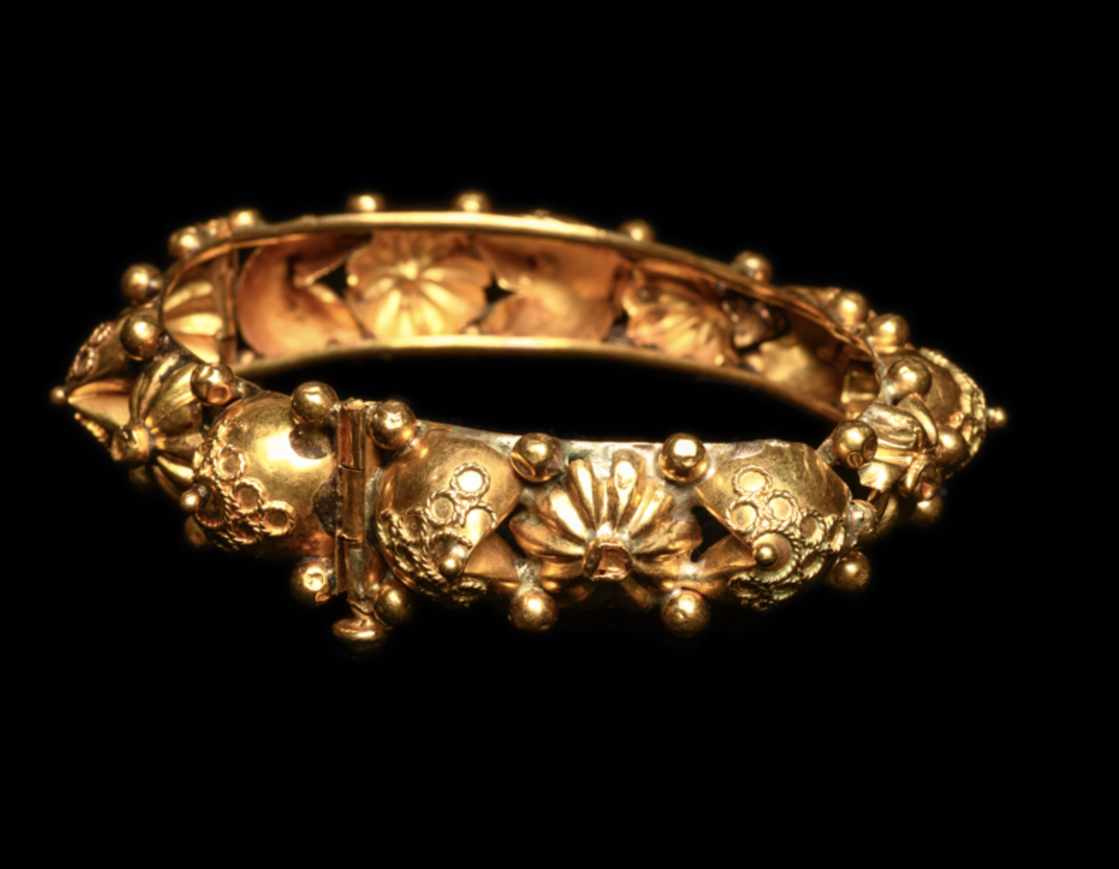 Ancient Byzantine Gold Bracelet Ca. 7th-12th century A.D. Medieval Jewelry 2