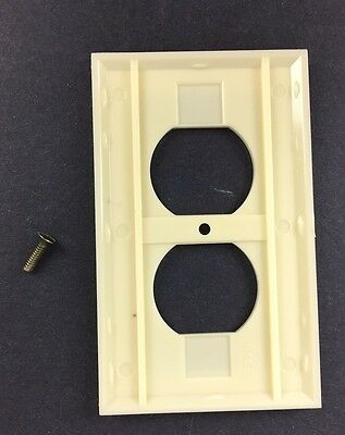 Vtg NOS Homart Outlet Cover Ivory Decorative 50s 60s Sears Framed Fine Ribbed 4