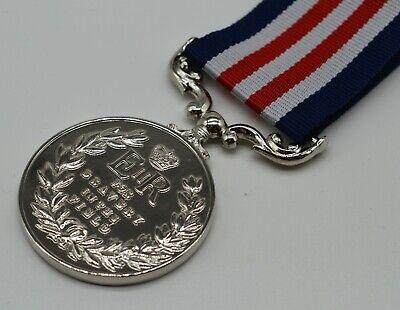 Silver Replica Elizabeth II Military Medal & Ribbon, Bravery in the Field ER-II 3