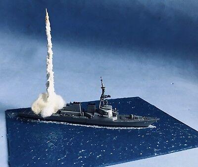 USS DDG ARLEIGH Burke Destroyer Battleship Fire Tomahawk Cruise Missile  Diorama