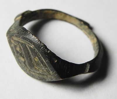 Zurqieh -Aa7138-  Holy Land. Byzantine Or Roman Bronze Ring. 300 - 600 A.d 3