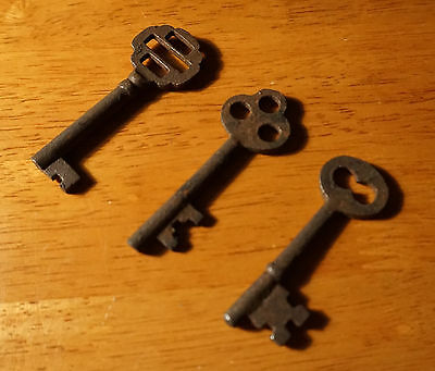 Set of 7 Rustic Cast Iron 19th Century Style Cabinet Skeleton Keys Rusted Finish 9