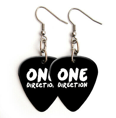 Niall Horan 1D Printed Signature Guitar Pick Plectrum necklace keyring BW