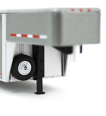 1:64 GreenLight *GUN METAL GRAY* Vertical 3 Hole Side LIVESTOCK TRAILER NIP 4