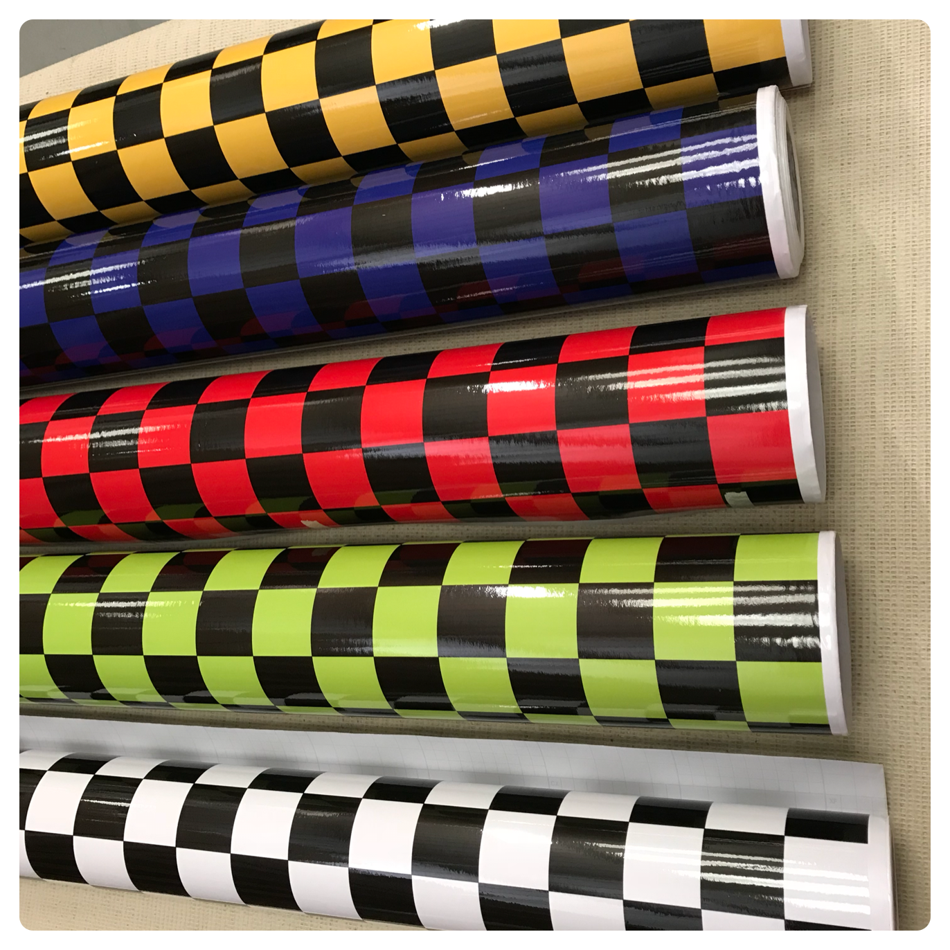 NEW CHECK CHEQUERED GLOSS VINYL CAR WRAP WRAPPING GRAPHIC sticker bomb Car Roof 3