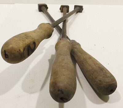 3 alte Brandeisen,Brandstempel,Zahlen 1,2,4 mit Holzgriff 5