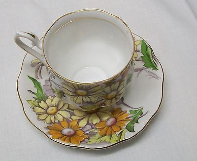 Daisy Teacup and Saucer Royal Albert Bone China Set Flower of the Month Vintage 4