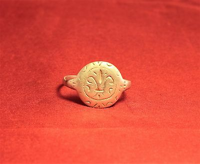Fine Medieval Crusader Knigth's Seal Ring,  Lily Stamp, 11. Century, 2