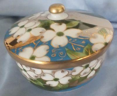 Japanese Arita Gold Gilt & White Flower Lidded Bowl 3