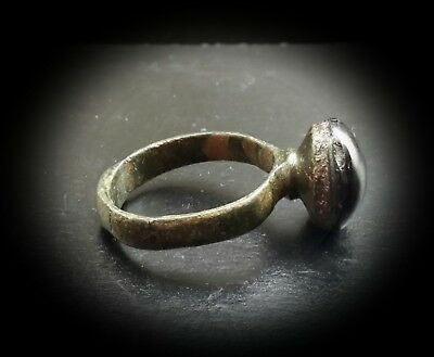 ANCIENT SASSANIAN LARGE BRONZE RING WITH STONE PORTRAIT INTAGLIO 4th-5th A.D. 7