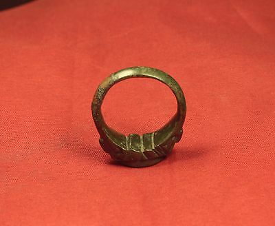 Big Medieval Bronze Knight's Seal Ring - 14. Century - Lily Sign! III. 9