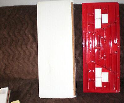 alter Kaufmannsladen rot weiß aus Kunststoff Plaste mit 3 Theken - ca. 1950er 2
