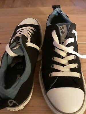 Converse Size 4.5.....In Good Used Condition....unisex...... 4