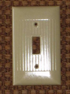 Vintage Mid Century BAKELITE Ribbed Single Wall Light Switch Plate Cover Lines 5