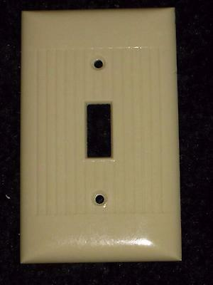 Vintage Mid Century BAKELITE Ribbed Single Wall Light Switch Plate Cover Lines 2