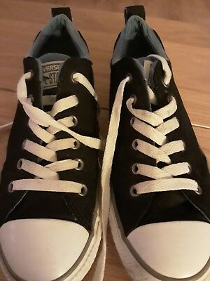 Converse Size 4.5.....In Good Used Condition....unisex...... 5
