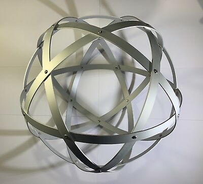 Genesa Pentasfera diametro 31 cm satinato argento profilo 1,5 cm + ciondolo 4
