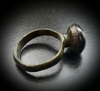 ANCIENT SASSANIAN LARGE BRONZE RING WITH STONE PORTRAIT INTAGLIO 4th-5th A.D. 11