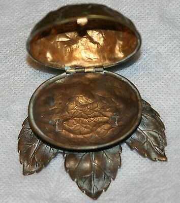 rare ANTIQUE W. Avery & Son Redditch ~~ walnut on leaf bed~~NEEDLE CASE, WOW!!! 2
