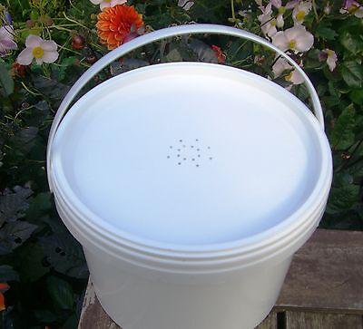 5 x Gallon (5Litre) CONTACT / BUCKET FEEDERS 4