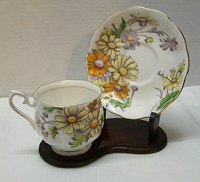 Daisy Teacup and Saucer Royal Albert Bone China Set Flower of the Month Vintage 2