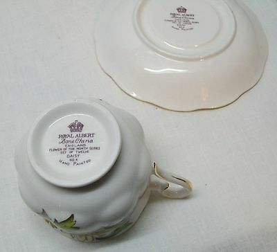 Daisy Teacup and Saucer Royal Albert Bone China Set Flower of the Month Vintage 7