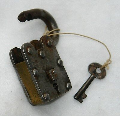 LEVERS REGD. #27 PRINCE FINE LOCK & KEY - Hob Nail - Authentic - Antique 3