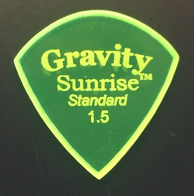 Gravity Picks Europe Classic Razer Sunrise Plectrum 2