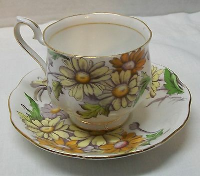 Daisy Teacup and Saucer Royal Albert Bone China Set Flower of the Month Vintage 3