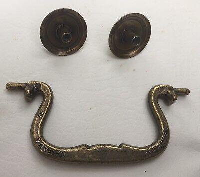 "4 NOS Antique Brass Swan Neck Drop Bail Drawer Pull Handles w//screws 3-1//2/""space"