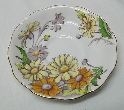 Daisy Teacup and Saucer Royal Albert Bone China Set Flower of the Month Vintage 5