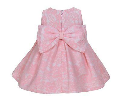 Vestido rosa con encaje blanco