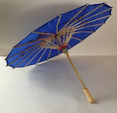 Traditional Chinese accessory set - blue parasol & fan and 2 concertina dragons 4