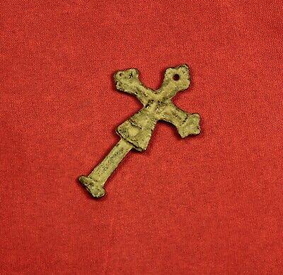 Fine Medieval Cross Pendant, 14. Century 2