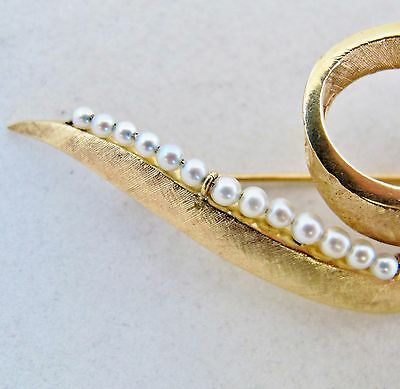 "2.85"" Vintage 14K Yellow Gold & White Pearl / Pearls Brooch Pin  (8.3 grams) 7"