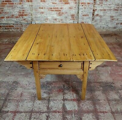 19th century French Farmhouse Pine Drop Leaf Dining Table 9