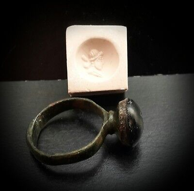 ANCIENT SASSANIAN LARGE BRONZE RING WITH STONE PORTRAIT INTAGLIO 4th-5th A.D. 2