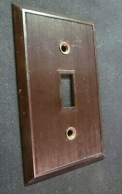 Hemco USA Switch Wall Plate Cover Fine Lines Ribs Brown Bakelite Antique 4
