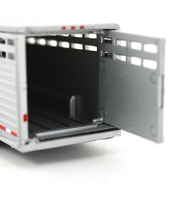 1:64 GreenLight *GUN METAL GRAY* Vertical 3 Hole Side LIVESTOCK TRAILER NIP 5