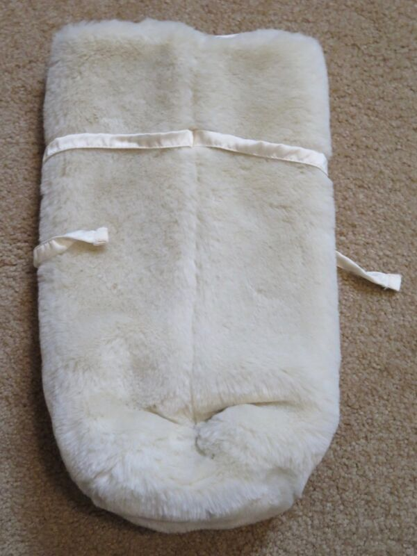Pottery Barn Christmas White Faux Fur Wine Bottle Holder Gift Bag + Wine Charm 5