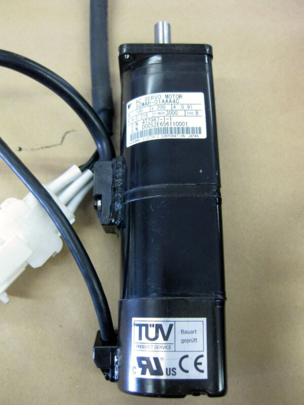Lot Yaskawa SGDM-01ADA ServoPack And Servo Motor SGMAH-01AAA4C and Cables Japan