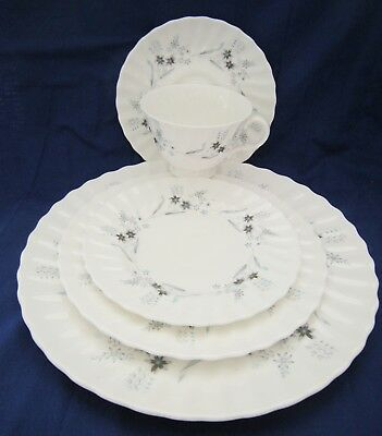 ROYAL DOULTON 5 PC Place Setting MILLEFLEUR dinner salad B & B Cup Saucer 2