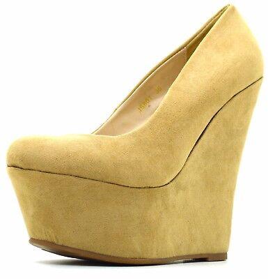 ... Decolletè con plateau scamosciate scarpe donna con zeppa decolte alte  camoscio 7 c125cea97bc