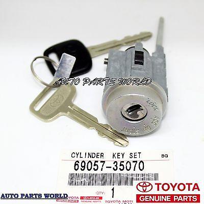 genuine toyota oem ignition switch lock cylinder and key w o tiltgenuine toyota oem ignition switch lock cylinder and key w o tilt 69057 35070