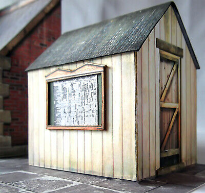 Finely Detailed 7mm scale O gauge cast resin Low Relief Warehouse with details
