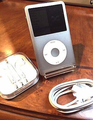 Silver MB029LL !!!!!!! 80GB Apple iPod Classic 6th Generation