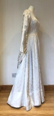 Pretty Vintage 1950s Bridal Wedding Dress with Bustle Off White Damask 8 10 9