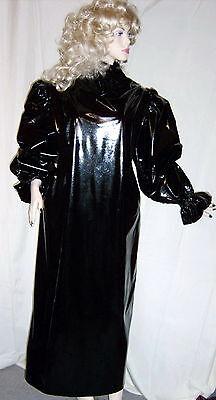 Lackkleid lang enger Kragen Zofe Rüschenärmel Vinyldress Narrow high Collar Maid 4